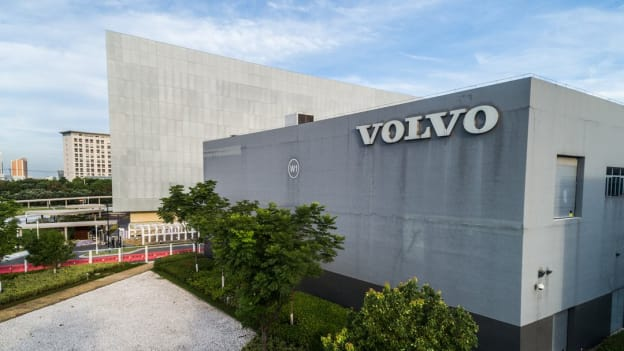 COVID-19: Volvo to cut 4100 jobs this year