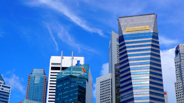 Maybank Singapore  to recruit at least 100 fresh graduates & mid-career candidates