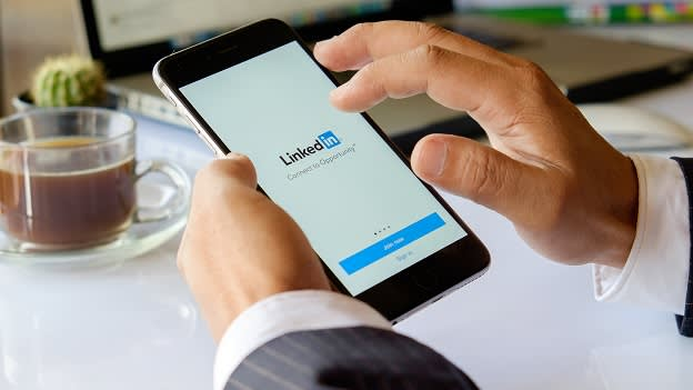 LinkedIn shares tips to perfect your professional profile