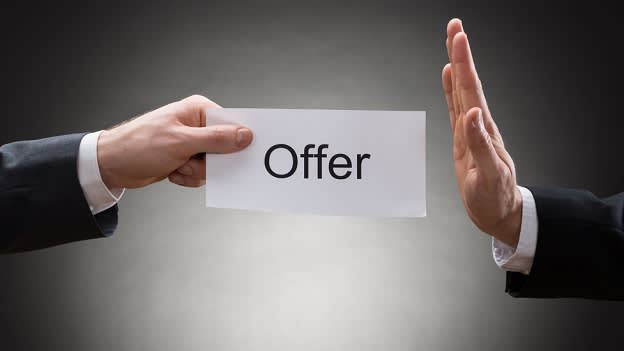 The right way to turn down a job offer