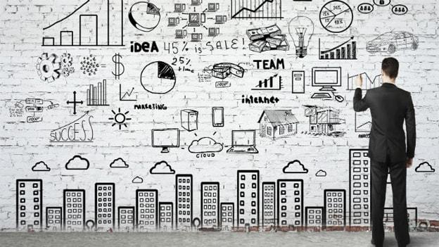Embedding analytics in decision making