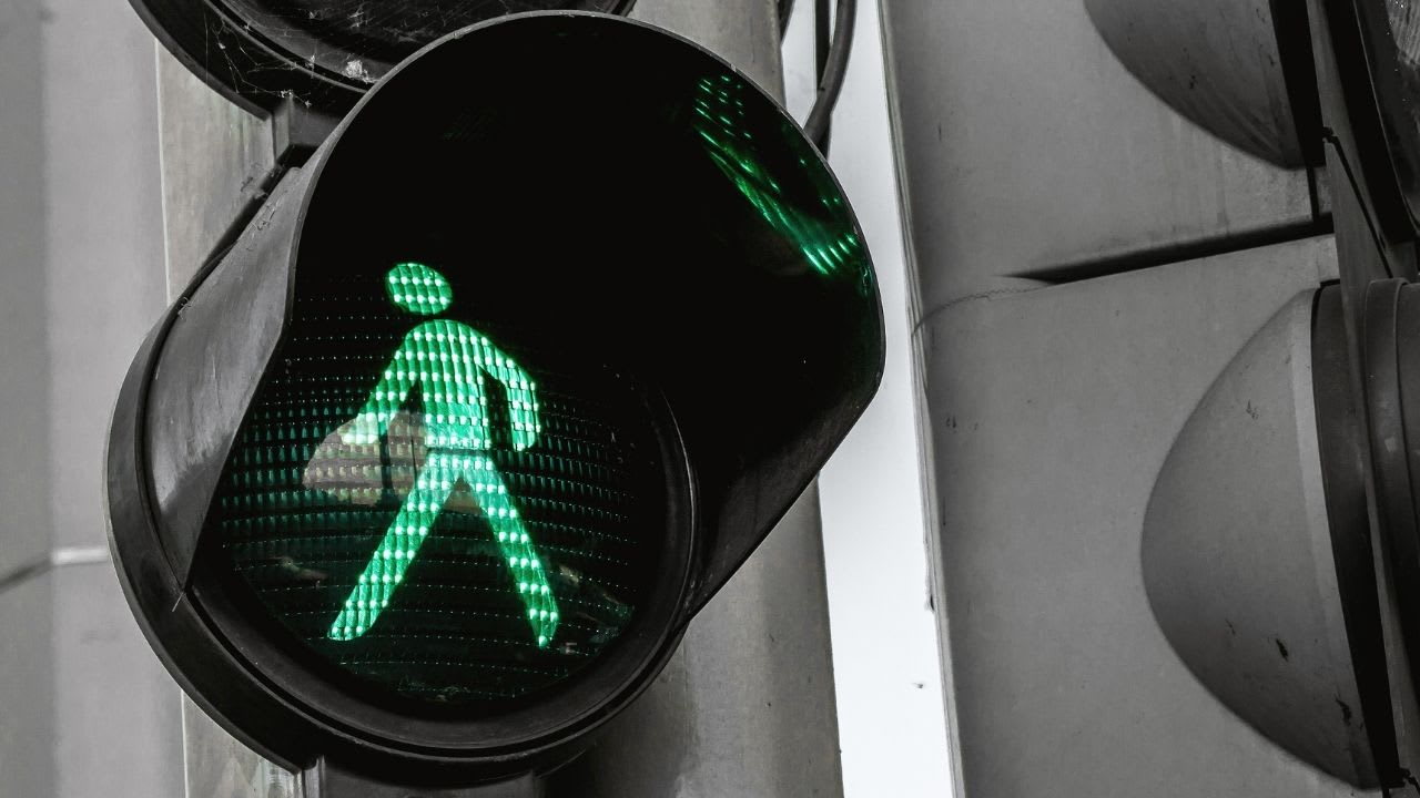 What is COVID 'traffic light' system in NZ?