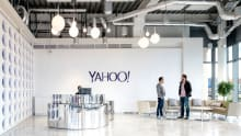 Yahoo to pay double to its new male CEO