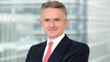 HSBC CEO steps down by mutual agreement with the board