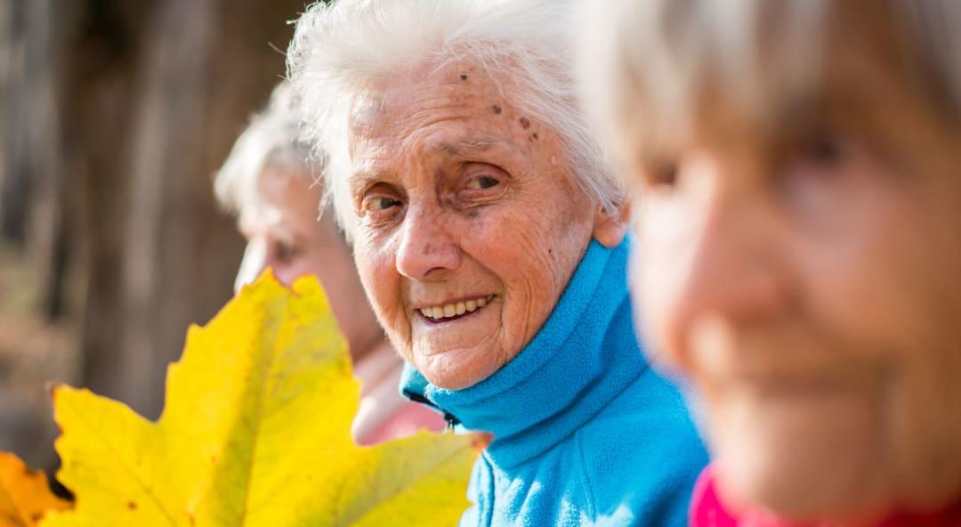 Altersdemenz: Wenn die Vergesslichkeit im Alter zur Demenz wird