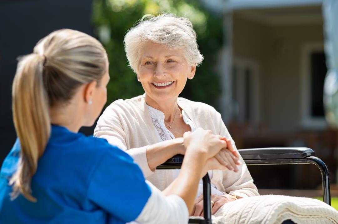 Altenpflege: Warum die Pflege zu Hause immer beliebter wird