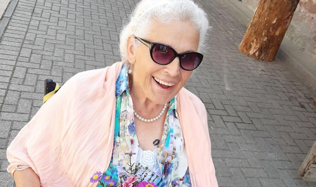 Pflegehilfe: Christina Kapahnke pflegt ihre Mutter nach einem Schlaganfall - Unterstützung fand Sie bei Pflegix