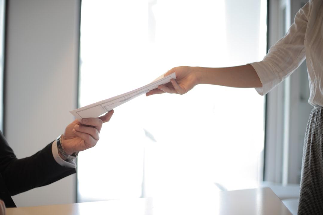 Personalausweis verlängern: 3 hilfreiche Tipps zur Ausweispflicht im Alter