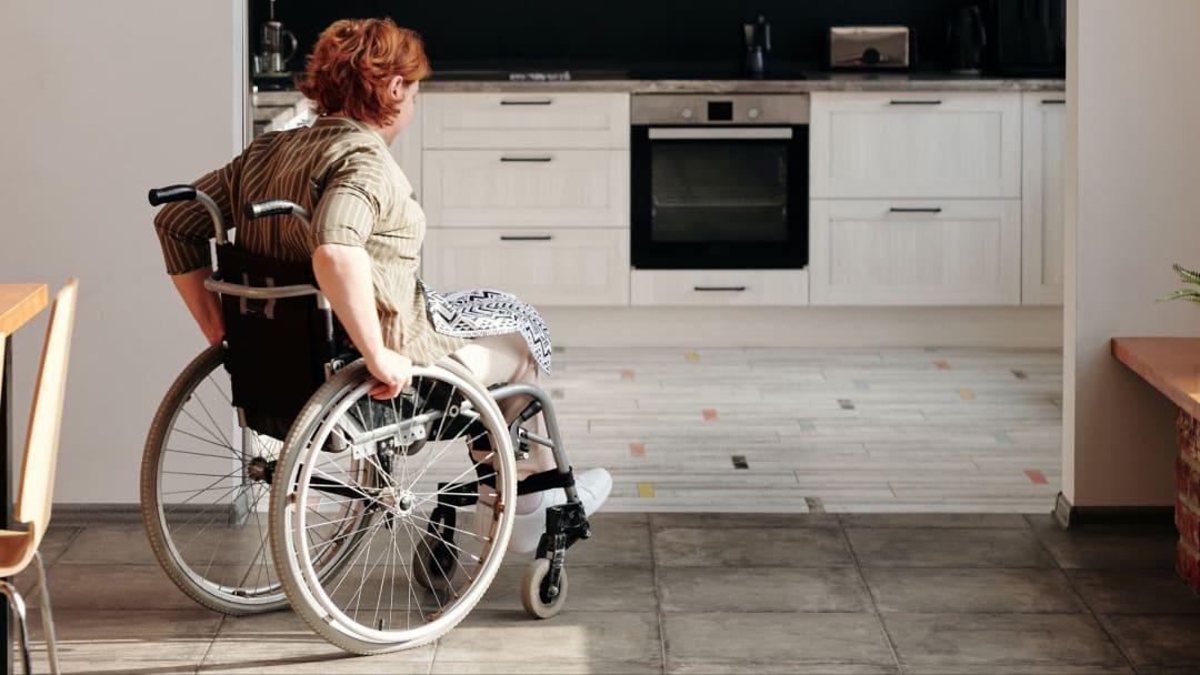 Lebensqualität erhöhen: So funktioniert barrierefreies Wohnen im Alter