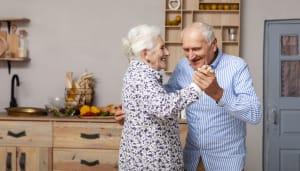 Selbstbestimmtes Leben im Alter: So finden Senioren die passende Hilfe!