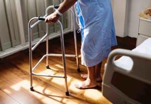 Übergangspflege: Hilfe nach dem Krankenhausaufenthalt