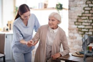 Freiberuflich arbeiten als Pflegefachkraft: Tipps für Deine erfolgreiche Zukunft als Pflegefachkraft