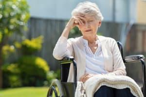 Demenz: Wie reagieren Sie bei Aggression eines Demenzkranken? 5 Tipps für Angehörige