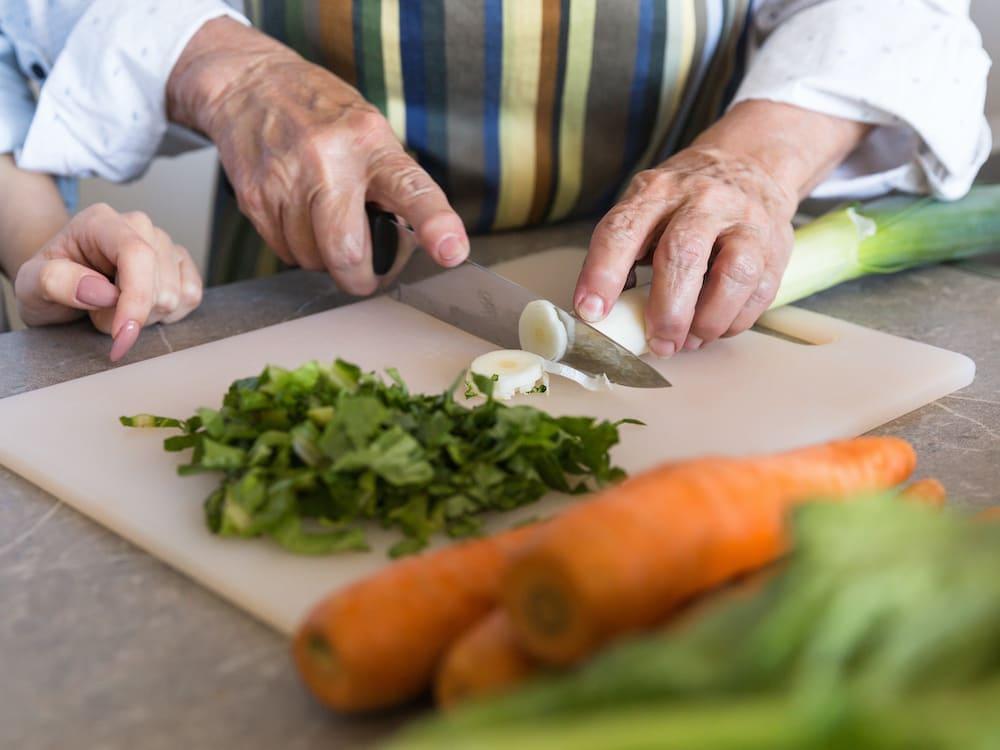 Häusliche Betreuung und gemeinsames Zubereiten von Essen