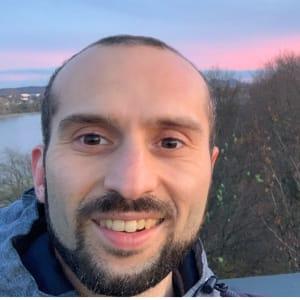 Profil-Bild von Fares A.