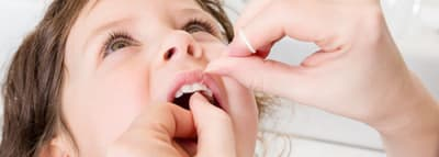 When To Start Flossing article banner
