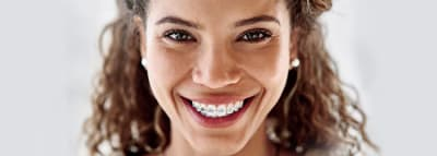 Tips & Tricks for Wearing Braces article banner