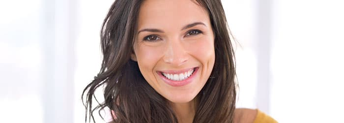 Whitening Toothpaste to brighten your smile article banner