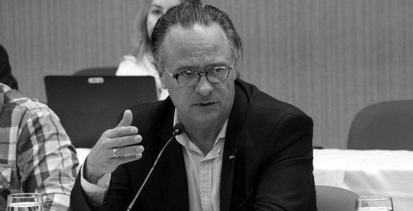 Simon eleito vice-presidente da UIA