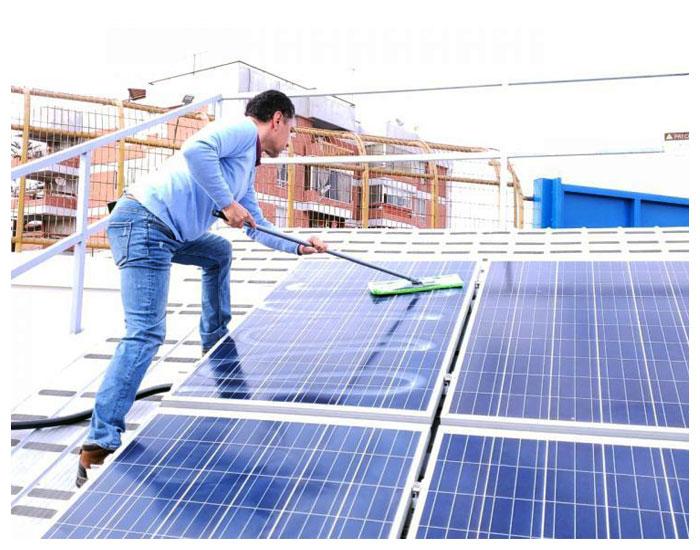 Nano4you: limpeza e manutenção para painéis solares