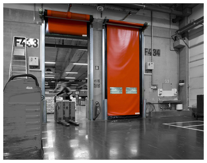 Portas automáticas Rayflex para armazenagem de matéria-prima