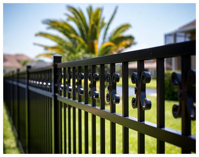 Solventex na conservação de portões e esquadrias