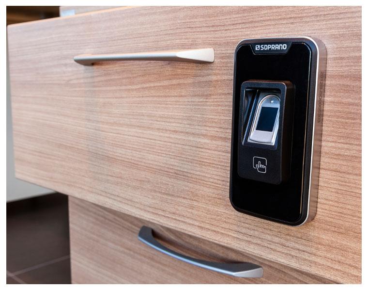 Fechadura biométrica Soprano para móveis