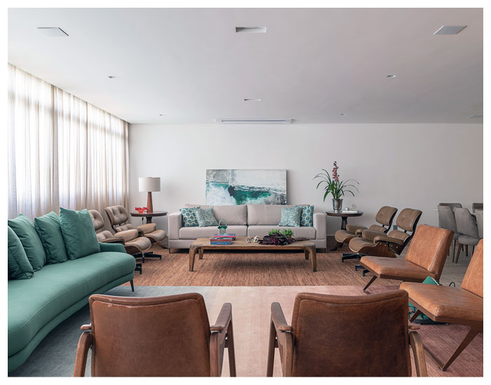 Carina Dal Fabbro escolhe o sofá da sala
