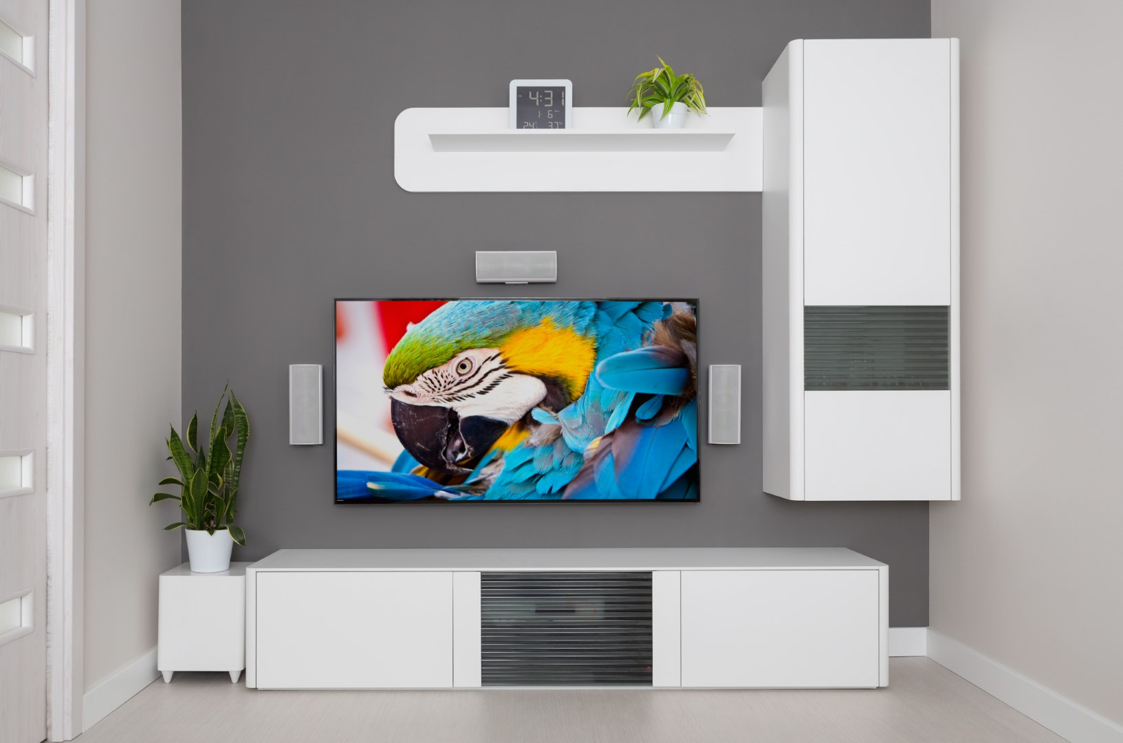 An image related to Big Screen 77-Inch 4K TVs Review