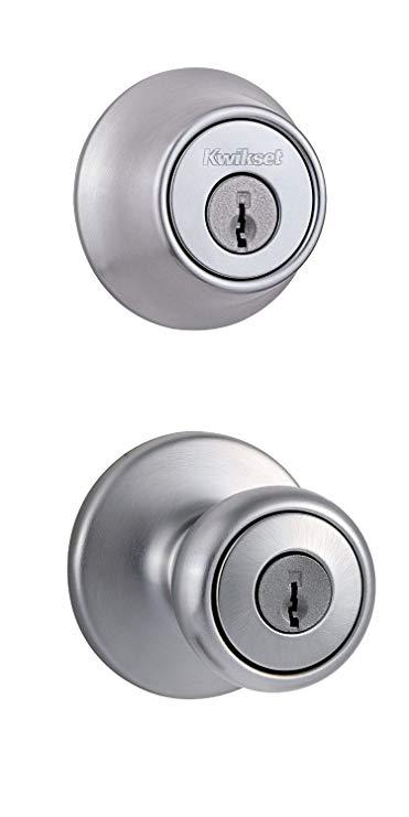 An image of Kwikset 90130-114 Entry Metal Satin Chrome Lever Lockset Lock