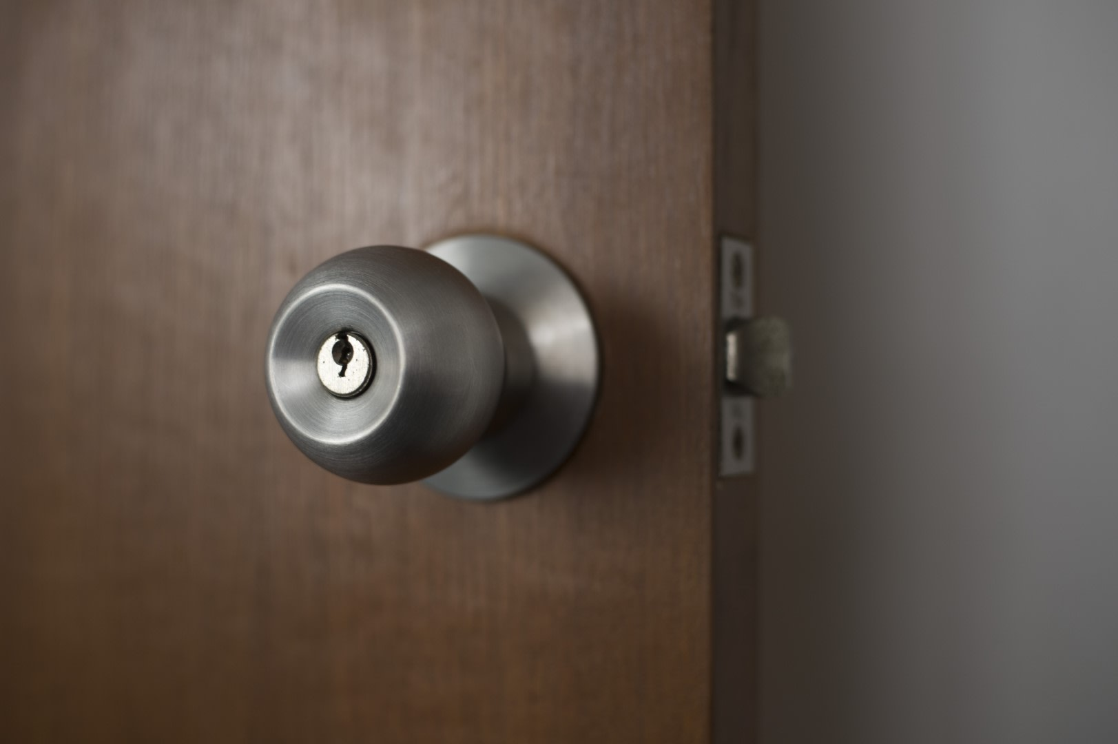 An image related to Reviewing Grandeur Locks