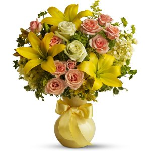 Teleflora's Sunny Smiles with Roses flower arrangement