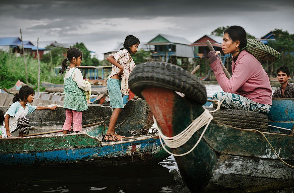 Photo day: fishing village, monastery and market