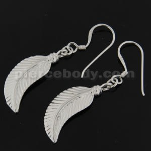 925 Sterling Silver Linear Leaf cute Ear Ring