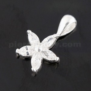925 Sterling Silver Jeweled Flower Pendant