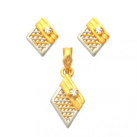 22K Diamond Shaped Gold Set Jewelry
