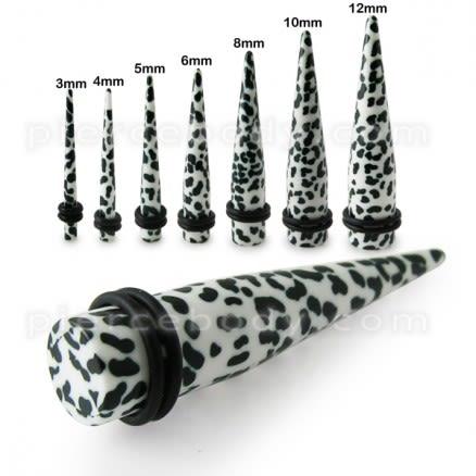 Dalmatian Straight Ear Expander