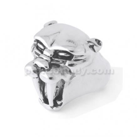Smilodon finger ring