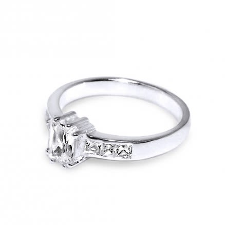 Cubic Zirconia Single Stone centered Jeweled Fashion Silver Ring