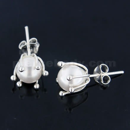 925 Sterling Silver Cream Pearl Ear Stud