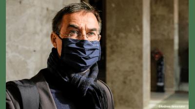 Bild zu Teilerfolg im Südtiroler Pestizidprozess: Landesgericht Bozen beendet Strafverfahren gegen Verleger und Mitglieder des Umweltinstitut
