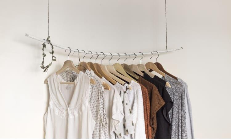 Der erste Schritt zum fairen Kleiderschrank | nachhaltig einkaufen grüner lifestyle