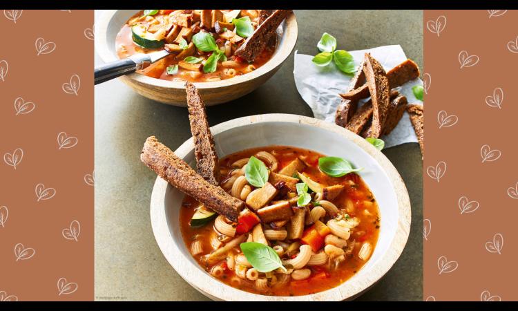 Rezept für Minestrone mit Tofuspeck und Vollkorn-Croûtonsticks | Rezepte vegan Veganismus