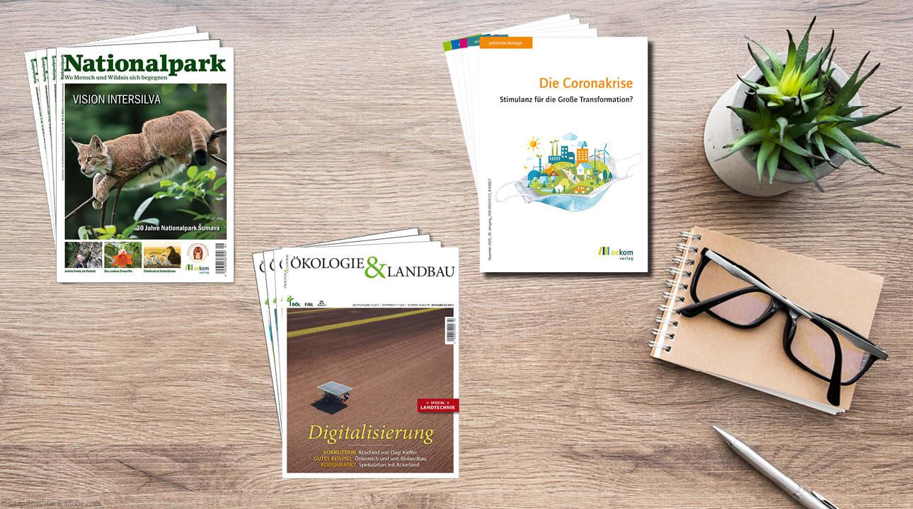 """3 Stapel der Zeitschriften """"Nationalpark"""", """"Ökologie & Landbau"""" und """"politische ökologie"""""""