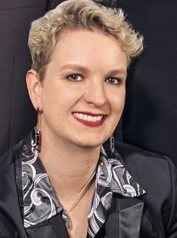 Dr. Christina Lohr