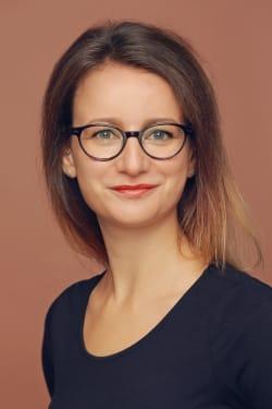 Dr. Janine Selle