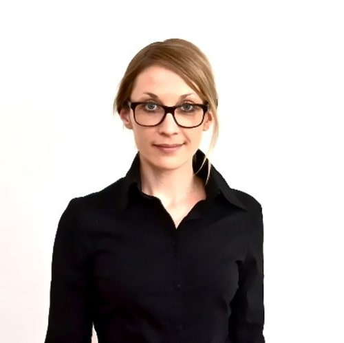 Julia Arnhold