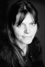Eve Tharlet
