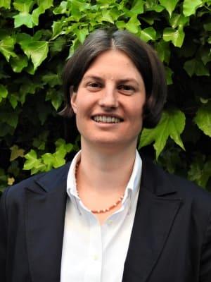Dr. Anna Fecke