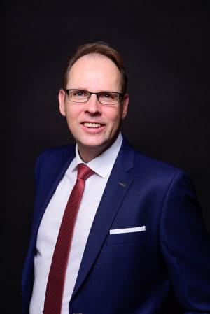 Dr. Karsten Giffey